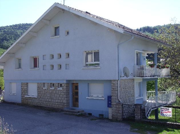 A louer F4 avec terrasse - Villard d'Héria