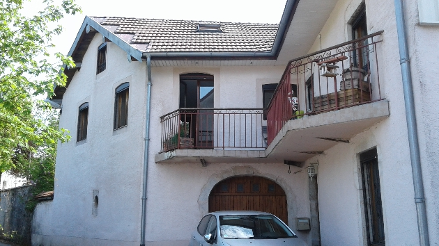 A louer maison F4 avec garage -MOLINGES