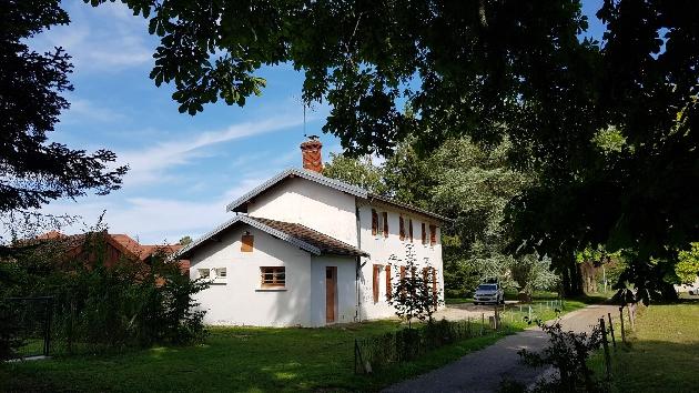location maison F6 Courlaoux