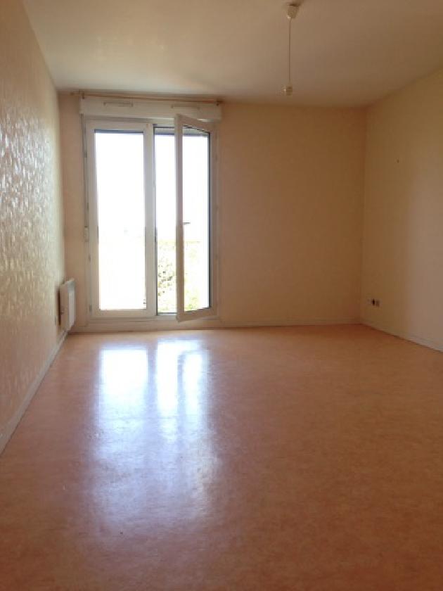 location appartement t2 besancon bouloie besancon et alentours lons le saunier arbois. Black Bedroom Furniture Sets. Home Design Ideas