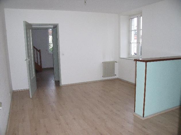 location f3 dole dole et alentours lons le saunier arbois poligny besan on dole saint claude. Black Bedroom Furniture Sets. Home Design Ideas