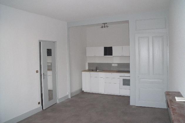 location appartement f4n 9 poligny poligny et alentours lons le saunier arbois poligny. Black Bedroom Furniture Sets. Home Design Ideas