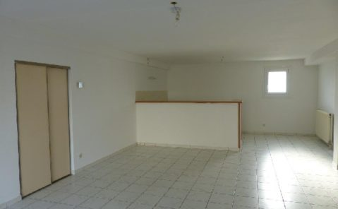 Location F4 COURLANS
