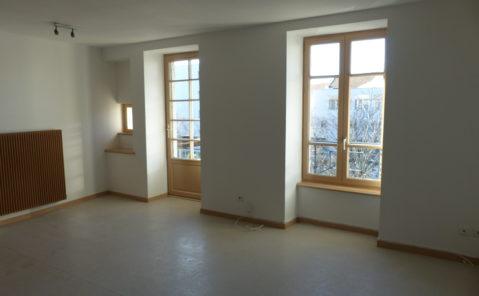 Location F2 balcon LONS LE SAUNIER