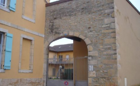 Location F3 bis duplex Saint-Amour