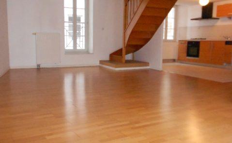Location Appartement 4 pièces-3 CHAMBRES – Besancon- Centre Ville- Boucle