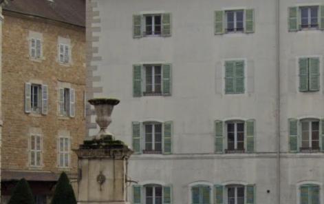 Location F2 LONS LE SAUNIER