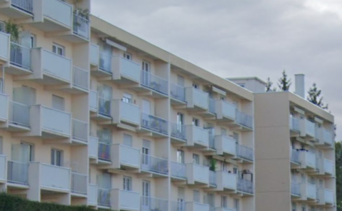 location F3 bis balcon Montmorot